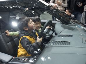 Studie More Than a Market_Kids at Shanghai Car-fair_15.jpg