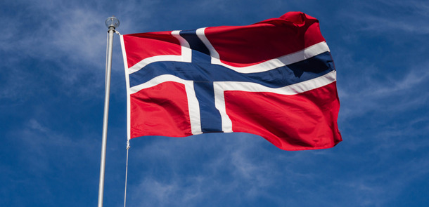 Flagge-Norwegen_26843574473_135a5bfe21_o.jpg(© Kjell Jøran Hansen / Flickr - CC BY 2.0, https://creativecommons.org/licenses/by/2.0/)