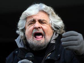 121167_Beppe_Grillo_-_Trento_2012_02.JPG(© Niccolò Caranti / Wikimedia Commons © CC BY-SA 3.0 - http://creativecommons.org/licenses/by-sa/3.0/deed.en)