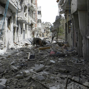 Wikimedia_Destruction_in_Homs_4.jpg