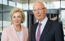 Portrait photo of Liz Mohn, Vice Chair of the Bertelsmann Stiftung's executive board, and Professor Klaus Schwab, founder and Executive Chairman of the World Economic Forum and recipient of the 2016 Reinhard Mohn Prize.