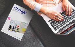 Collage Magazin neben Laptop