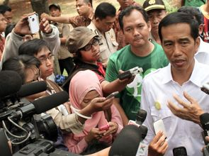 Jokowi_10374500436_9681c394c2_o_fuerWeb_ver2.jpg(© Eduardo M. C. / Flickr - © CC BY-NC-ND 2.0, https://creativecommons.org/licenses/by-nc-nd/2.0/)