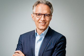 Porträtfoto von Jörg Dräger