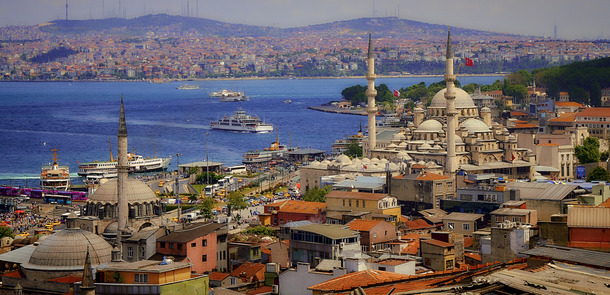 Istanbul, Turkey(© Pedro Szekely / Flickr - CC BY-SA 2.0, https://creativecommons.org/licenses/by-sa/2.0/)