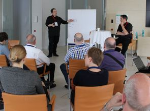 18299143178_ce2a6497c3_o.jpg_BarCamp_Arbeiten(© Katja Evertz, Cortex digital / Flickr - CC BY 2.0, https://creativecommons.org/licenses/by/2.0/)
