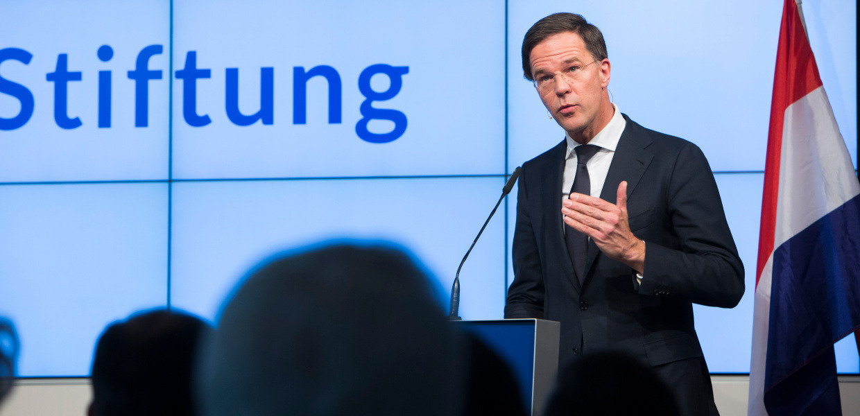 During his speech, the Dutch Prime Minister Mark Rutte is standing at the lectern in our Berlin office.