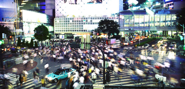 Kreuzung-Shibuya-Tokio_2860833770_625b1e0faf_o.jpg(© iñigo / Flickr - CC BY-NC-ND 2.0, https://creativecommons.org/licenses/by-nc-nd/2.0/)